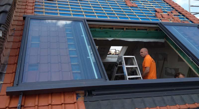 Dit schuifraam plaatst u in het hellend dak  Innovatief.be