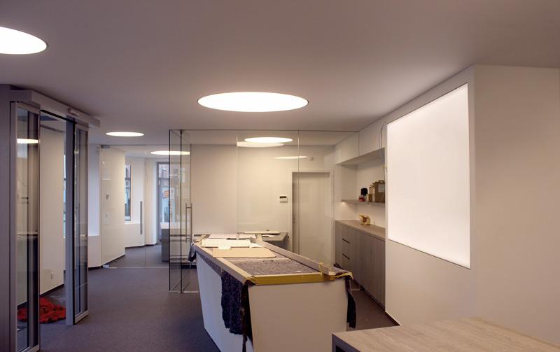 Verlichting en geluid vanuit het spanplafond | Innovatief.be